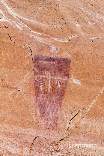 Great Gallery Pictoraphs at Horseshoe Canyon, Canyonlands National Park, UT. These Life-size anthropomorphic figures are called Barrier Canyon Style.