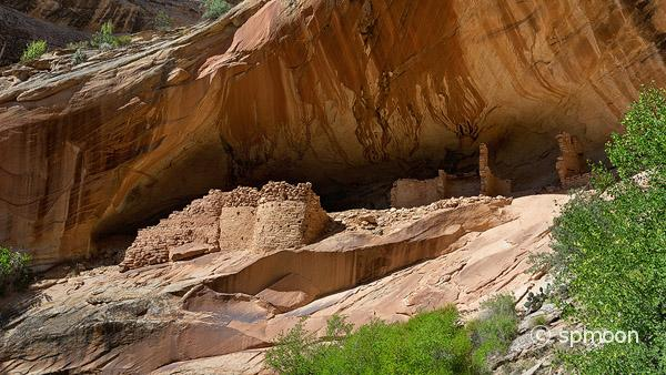 Monarch Cave Ruin - Anasazi Indian Ruin in Butler Wash, Comb Ridge, Utah