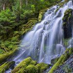 Proxy Falls(プロクシー滝)